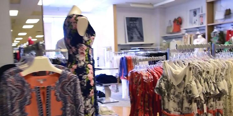 Women's clothing chain Dressbarn to close all its 650 stores