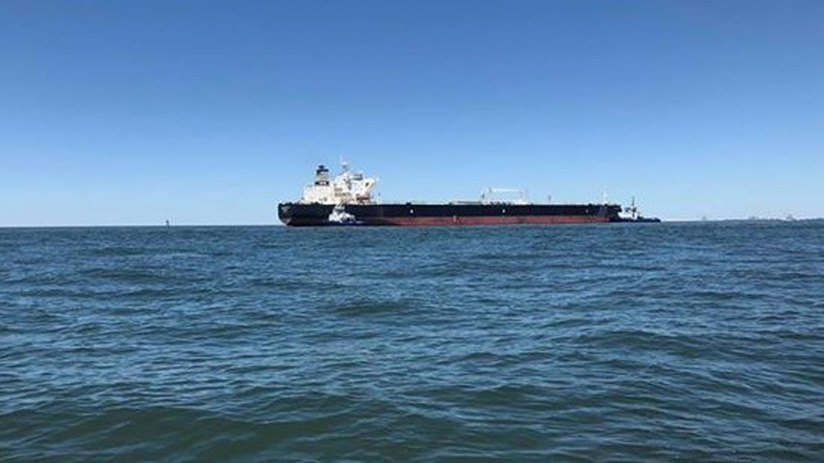 Coast Guard: Oil tanker runs aground near Petit Bois Island