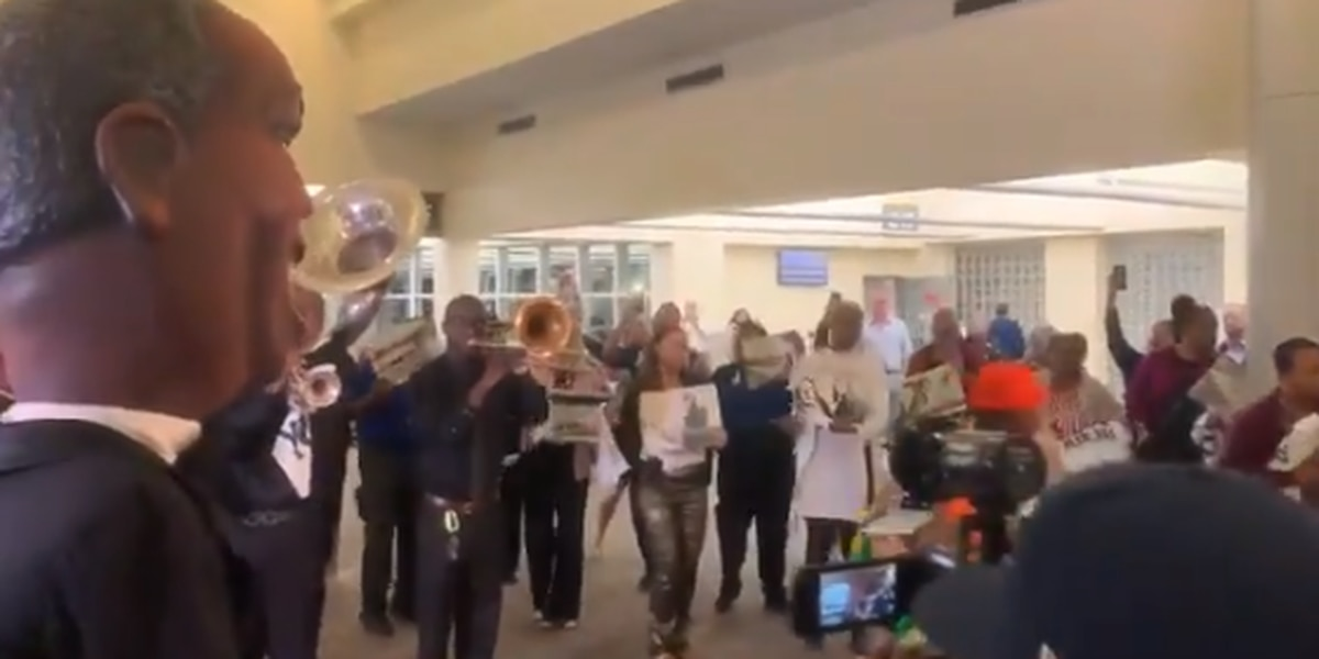 Opening ceremony held for new airport in New Orleans