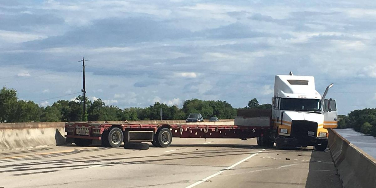 LSP: I-55 reopened following accident involving jackknifed 18-wheeler