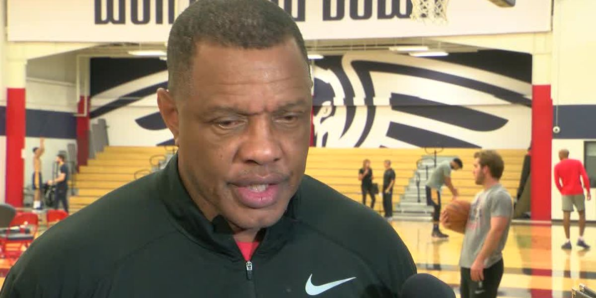 Coach Gentry previews the Pelicans home opener against the Mavs