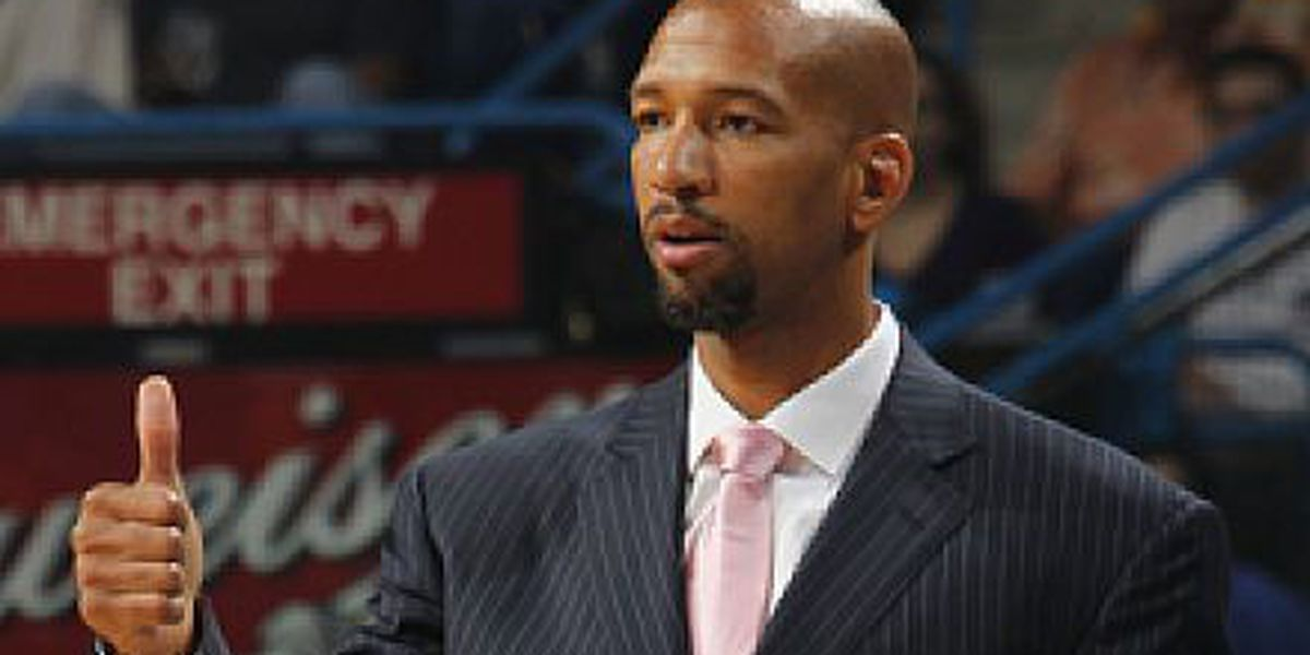 Pelicans owner Benson says he supports coach, GM