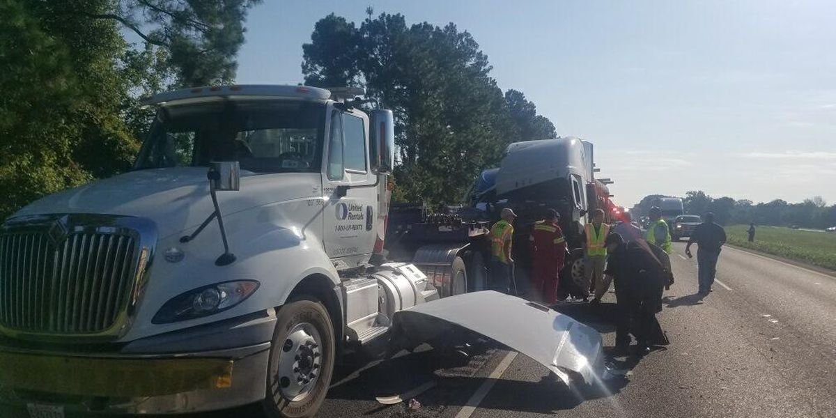 Texas man killed in wreck near Grosse Tete involving four 18-wheelers