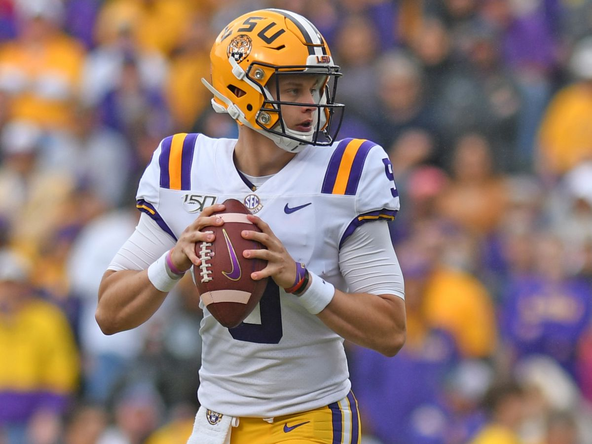 Joe Burrow named Walter Camp National Player of the Week