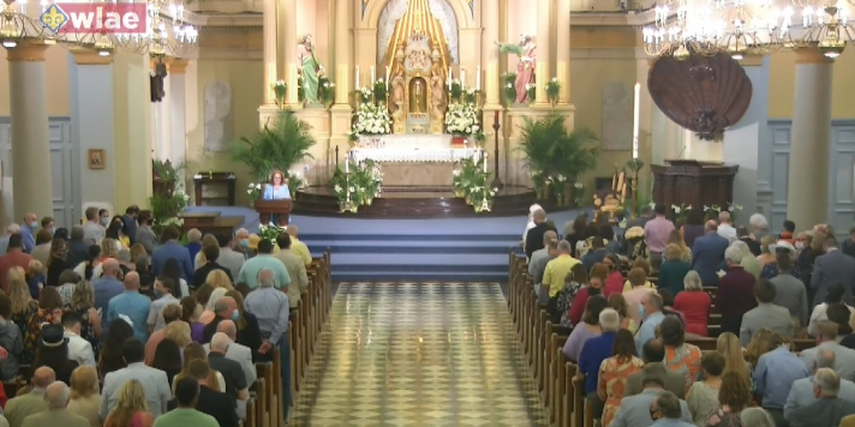 Parishioners flock to Easter Mass with laxed restrictions
