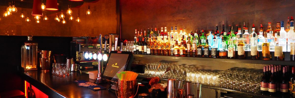 Gov. Edwards adjusts Phase 3 order to extend alcohol sales by one hour for eligible parishes
