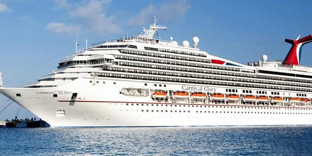 River pilots bring in the damaged Carnival cruiseship to New Orleans